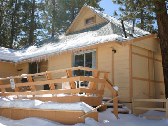 Lake front big bear cabin for rent for Big bear cabins lakefront