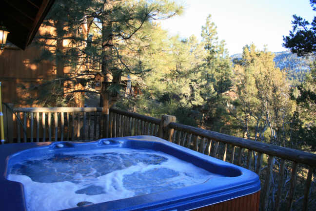 Moonlightmanor big bear cabin for rent near boulder bay for Big bear cabins with jacuzzi tubs